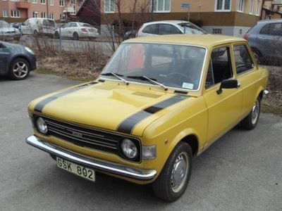 brugt Fiat 128 veteran bil bytes mot Båt /Mc