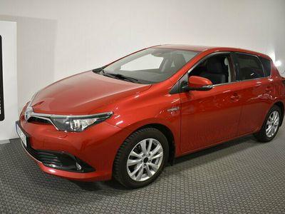 begagnad Toyota Auris Hybrid 1.8 Automat Active Plus Vinterhjul 5 År garanti VIDEO