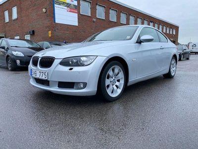 begagnad BMW 330 Xdrive Coupé Automat Comfort 231hk