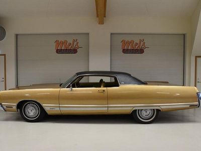 begagnad Chrysler New Yorker Brougham 2-dr ht Coupe 19