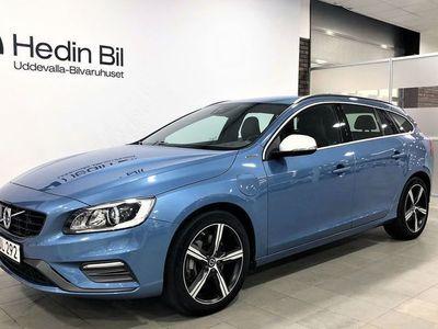 begagnad Volvo V60 TWIN ENGINE Plug-in Hybrid AWD Geartronic Momentum. R-Design 231
