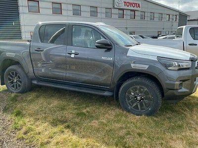 begagnad Toyota HiLux Dubbelhytt 2.8 4WD Invincible Automat Euro 6 2021, Transportbil Pris 473 000 kr