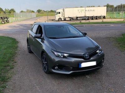 begagnad Toyota Auris Hybrid 1.8 D Touch & Go Edition