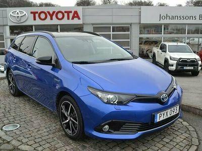 begagnad Toyota Auris Touring Sports 1.8 Selection Bi-Tone Navi 2018, Halvkombi Pris 179 900 kr