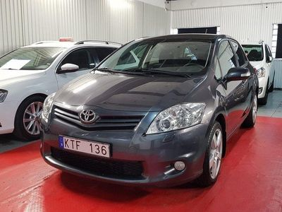 begagnad Toyota Auris 5-dr 1.6 132hk 7000mil S&V hjul