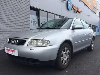 begagnad Audi A3 1,6 5 DÖRRAR BESIKAD ACC GÅR BRA