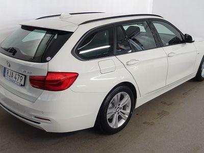 begagnad BMW 318 d Touring, Model Sport, Nav, HiFi, Drag. DEMO 2017, Kombi 324 900 kr