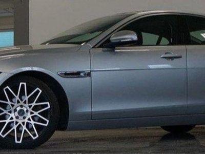 begagnad Jaguar XE 180 hk