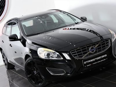 gebraucht Volvo V60 D4 Summum Sv-Såld Skinn   Black Edition
