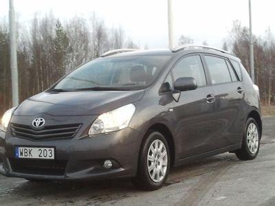 begagnad Toyota Verso 1,8 (108 kw / 147.00 Hk ) 7-sits 2010