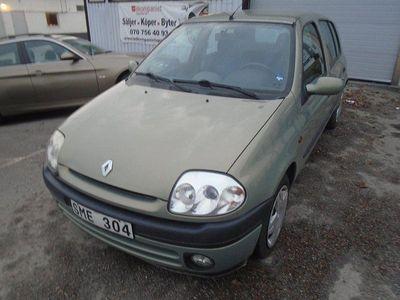 begagnad Renault Clio R.S. 5-dörra Halvkombi 1.4 75hk