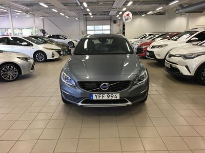begagnad Volvo V60 CC D4 AWD Geartronic Summum Euro 6 190hk