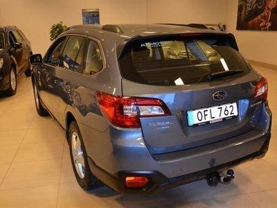 begagnad Subaru Outback 2,5 Base Vinterhjul, Dragkrok, Motorvärmare + fläkt ingå
