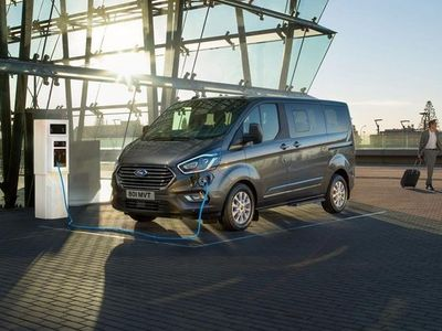 begagnad Ford Custom Tourneo Plug-in Hybrid PHEV320 V