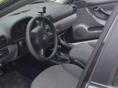 used Seat Leon 1,6 16v -03