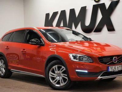 begagnad Volvo V60 CC D4 AWD | D-Värm | Drag | MOMS
