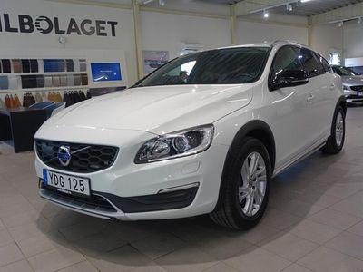 begagnad Volvo V60 CC D4 AWD Automat Summum BE VOC Drag