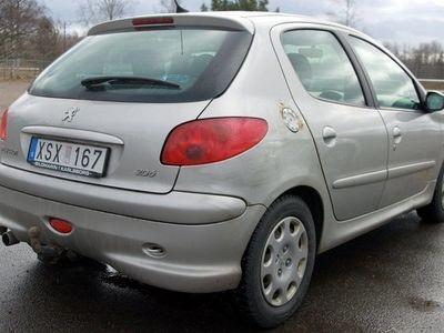 begagnad Peugeot 206 1,4 5D - DRAG / S+VHJUL