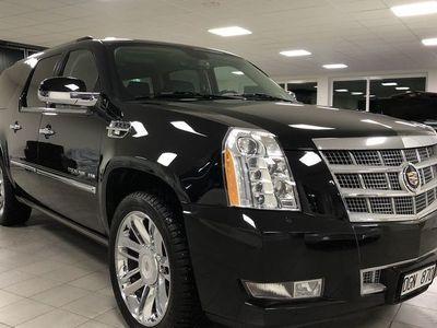 begagnad Cadillac Escalade Platinum ESV 6.2 V8 AWD 409hk