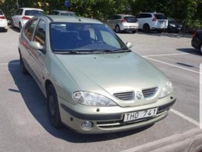 begagnad Renault Mégane 1.8 Ljusgrön -02