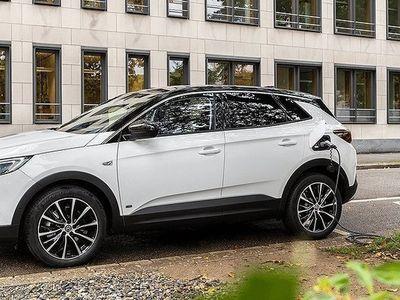 begagnad Opel Grandland X Plug In PHEV 40Km 225hk