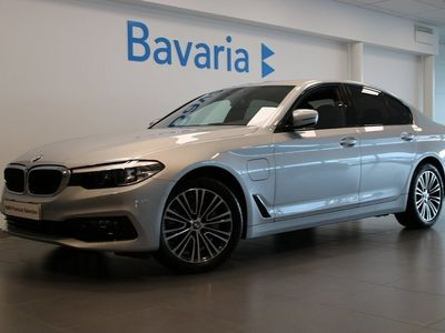begagnad BMW 530 e xDrive iPerformance Sedan Plug In Hybrid Sport Line Aut Nypris 611.500:-