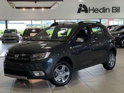 begagnad Dacia Sandero STEPWAY TCE *DEMOBIL* (100HK) / / LEVERANS MARS