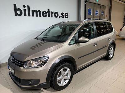 begagnad VW Touran Cross TSI 140hk /Aut /Drag /7-sits /Backkamera