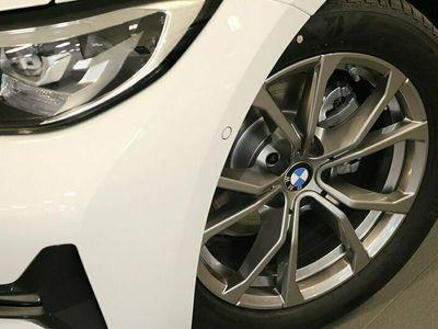 begagnad BMW 320 d xDrive Touring Sport Drag Kupévärmare m fjärr HiFi