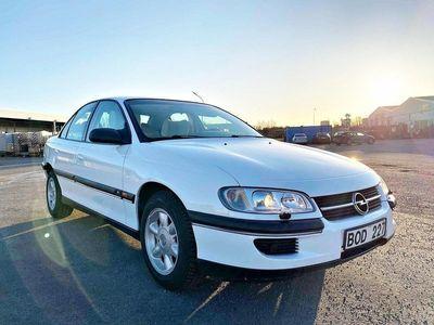 begagnad Opel Omega 2.0 låg mil