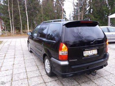 begagnad Mitsubishi Space Wagon -00