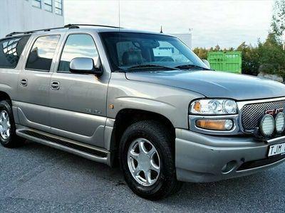 begagnad GMC Yukon XL Denali 6.0 V8 4WD Hydra-Matic 7-sits 2002