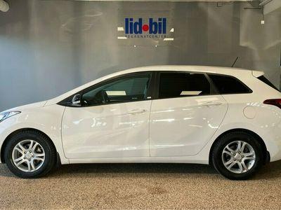 begagnad Hyundai i30 1.6 CRDi Aut Navi Panorama