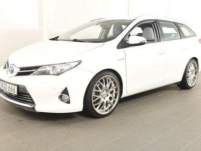 begagnad Toyota Auris Touring Sports Hybrid Kombi 1.8 Elhybrid Executive Skinn GPS