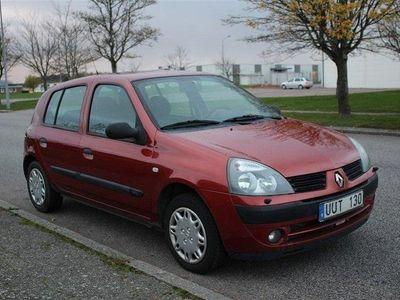 begagnad Renault Clio 1.2 Manuell Nybesiktigad 2004, Halvkombi 12 500 kr