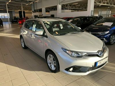 begagnad Toyota Auris Hybrid 1,8 HSD 5D ACT