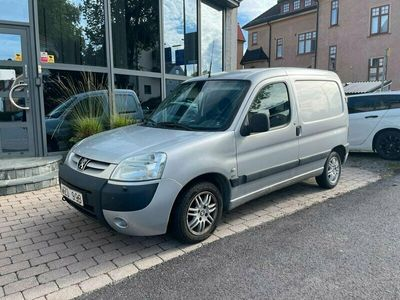 begagnad Peugeot Partner Skåpbil 2.0 HDi 90hk / drag / V-hjul