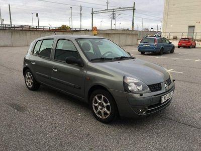 begagnad Renault Clio 1.2 Besiktad 2003, Halvkombi 13 500 kr