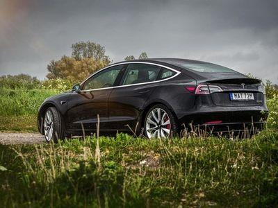 begagnad Tesla Model 3 Performance 3795:- / mån