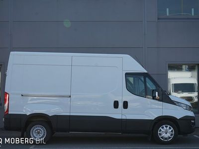 begagnad Iveco Daily Van 35 126hk Aut 8m3 L2H2 Värmare
