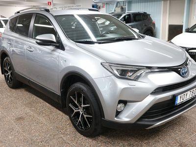 begagnad Toyota RAV4 Hybrid E-FOUR AWD-i Active Plus Drag Nav Motorv Vinterhjul