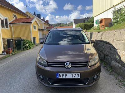 begagnad VW Touran Cross 1.4 TSI DSG