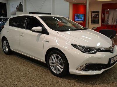 begagnad Toyota Auris Elhybrid 1.8 5-d Executive Vinterhjul Ingår