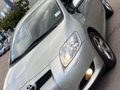 begagnad Toyota Auris 5-dörrar 1.6 Dual