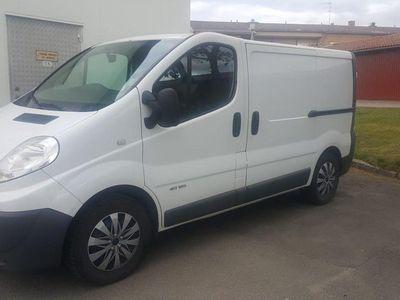 begagnad Renault Traffic Skåp 2,5 dCI Aut 146hk