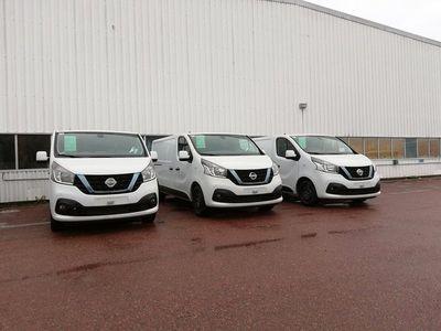 begagnad Nissan NV300 Working Star L2H1 3 lagerbilar för direkt l 2019, Transportbil 274 875 kr