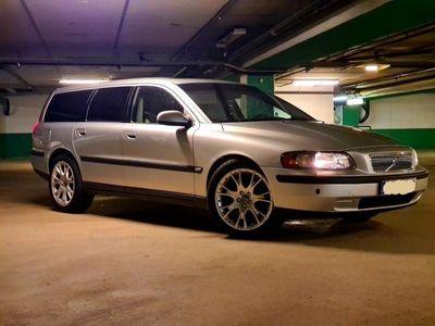 begagnad Volvo V70 2,4T GDS eller reservdelsbil