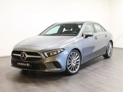 """begagnad Mercedes A180 Sedan Carplay / 19"""" AMG"""