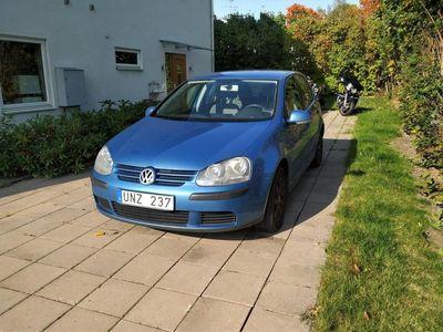 begagnad VW Golf 5-dörrar 1.6FSI