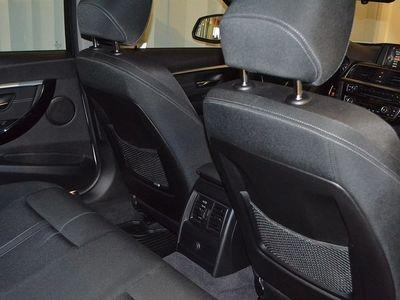 begagnad BMW 318 d Touring Model Sport (150hk)